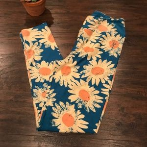 4/$25 Lularoe | daisy printed one size leggings